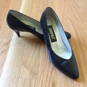 Vintage Sabree Black Heels